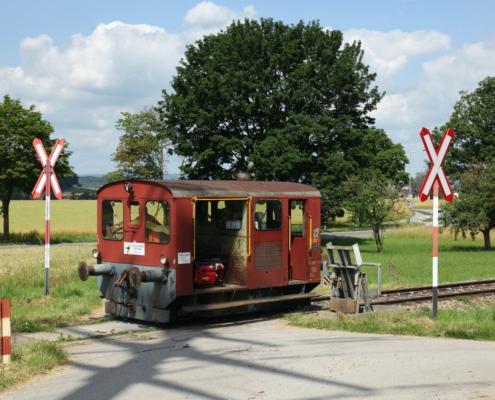 Tm-II-801-Bahnuebergang